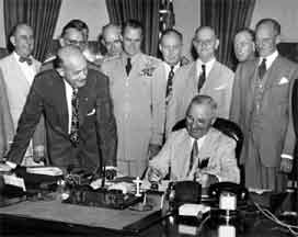 the plan to end the war by president harry truman Once america regained the territory from the chinese, president harry truman decided to make peace to avoid continued fighting but on his own, general macarthur argued to press the war against china [and suggested] using nuclear weapons on the mainland.