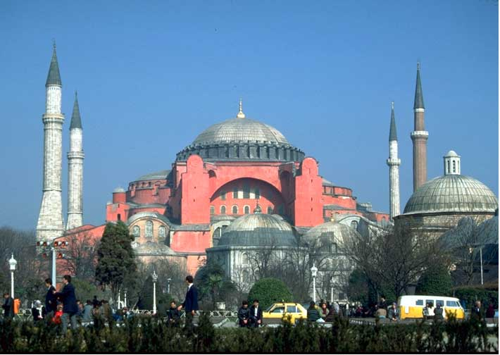 an analysis of the architecture of the byzantine empire Byzantine architecture is the architecture of the byzantine empire the empire emerged gradually after ad 330, when constantine moved the capital of the roman empire to byzantium, which was later renamed constantinople and is now istanbul.